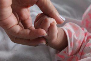 baby-hand1856370_640