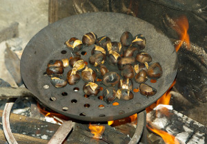 chestnuts 985161_640 - Christmas Song Do You Hear What I Hear